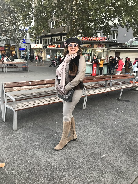 Mirela Select International Tours Vienna
