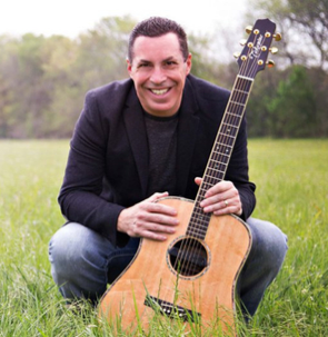 Steve Angrisano Chooses Select International Tours and Cruises